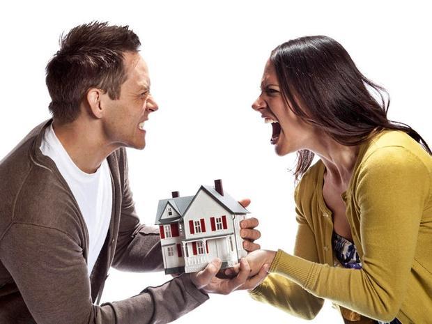Раздел недвижимого имущества супругов: как переоформить недвижимость на супруга